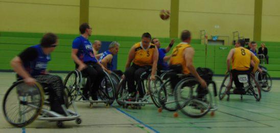 Rollstuhlbasketballer starten in die Oberliga West mit einem Sieg und einer Niederlage